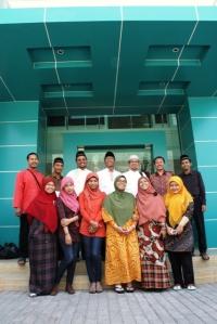Pose bareng Ustadz Widjayanto, after Halal bi Halal di kantor