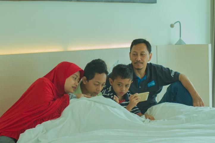 Staycation di hotel fairfield by marriott surabaya sebuah for Dekor kamar hotel buat ulang tahun
